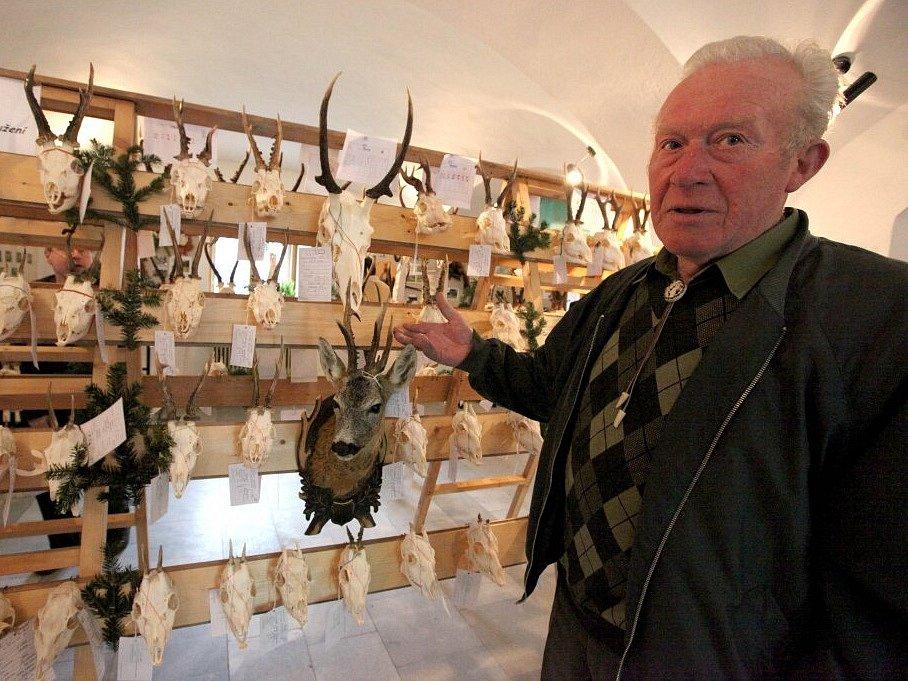 Výstava úlovků z poslední doby probíhá až středy 29. dubna v budějovických Zámeckých konírnách.