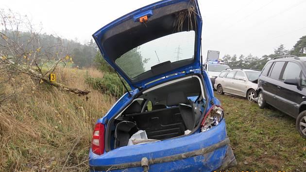 Auta do sebe narážela jak biliárové koule. Lidé stihli uskočit