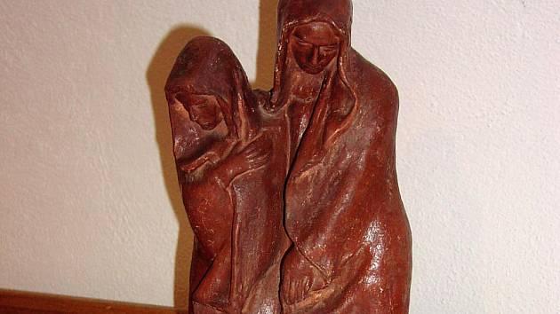 Dílem sochaře  jsou Zaváté šlépěje na hřbitově v Hrotovicích.