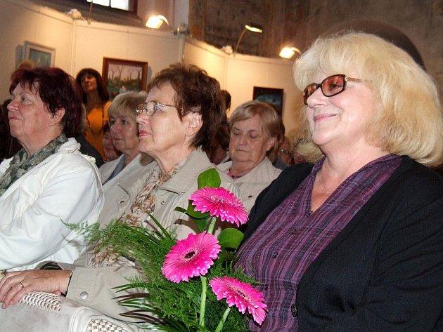 Iva Hüttnerová ve středu 15. září osobně zahájila svoji autorskou výstavu v Zadní synagoze v Třebíči.