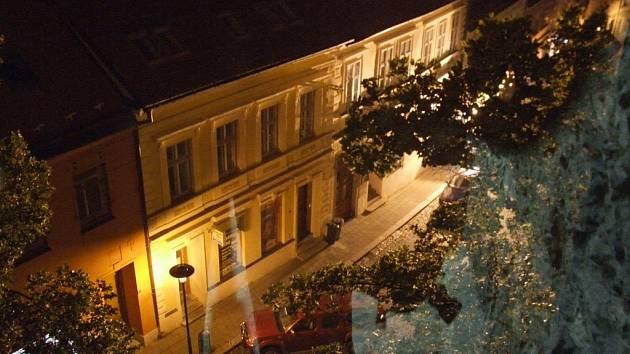 Noční prohlídky na městské věži nabídlo o víkendu opakovaně třebíčské městské kulturní středisko.