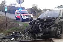 Nehoda vlaku a auta se obešla bez zranění.
