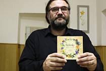Emanuel Míšek se svým albem Bylinky.