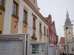 Celkem šest uskupení jde v Moravských Budějovicích do komunálních voleb, které se uskuteční už příští víkend 5. a 6. října.