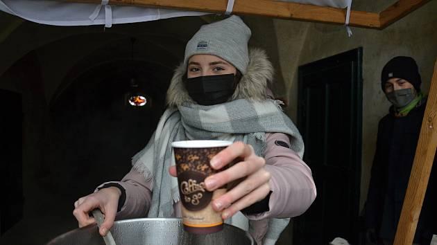 Během letošního osmého ročníku dobročinné kavárny se podařilo vybrat rekordních 140 tisíc korun.