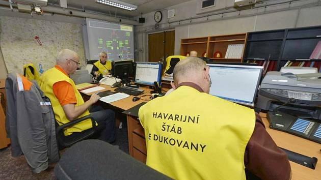 Cvičení v jaderné elektrárně.