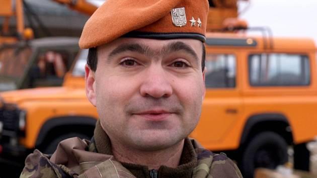Praporčík Jiří Zbránek ze samostatné záchranné roty z Olomouce.