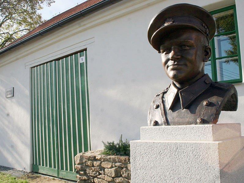 Otevření stálá expozice Jana Kubiše v Dolních Vilémovicích