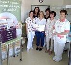 Nadace Křižovatka předala ve čtvrtek 30. května novorozeneckému oddělení třebíčské nemocnice dvacet dva monitorů dechu.