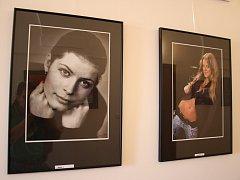 Portréty fotografa Josefa Prodělala z výstavy v Jaroměřicích nad Rokytnou.