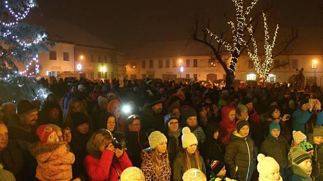 Zahájení adventu v Jaroměřicích nad Rokytnou.