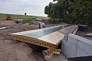 Stavba mostu za Boňovem potrvá do konce července.