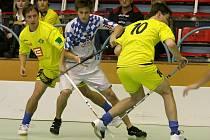 Florbalisté třebíčského Spartaku (v popředí) se díky českému poháru opět mohli poměřit s ligovými soupeři jako kdysi se Snipery (na snímku). Ti ale hráli v jiné skupině.