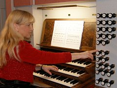 Hana Bartošová dává přednost koncertování na historických nástrojích.