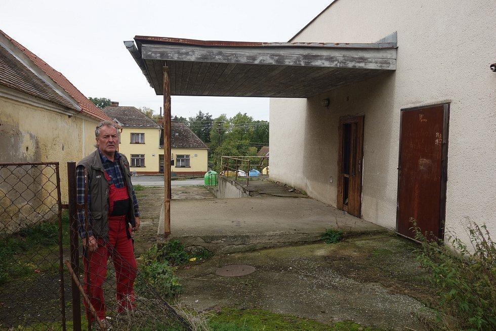 Bývalou samoobsluhu v Příštpu se chystají přestavět na čtyři bezbariérové obecní byty. Budou sloužit seniorům.