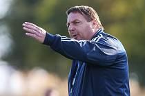 Jarní část letošního ročníku zřejmě stráví trenér Petr Kylíšek na lavičce fotbalistů Koněšína, kteří působí ve 3. třídě třebíčského okresu.