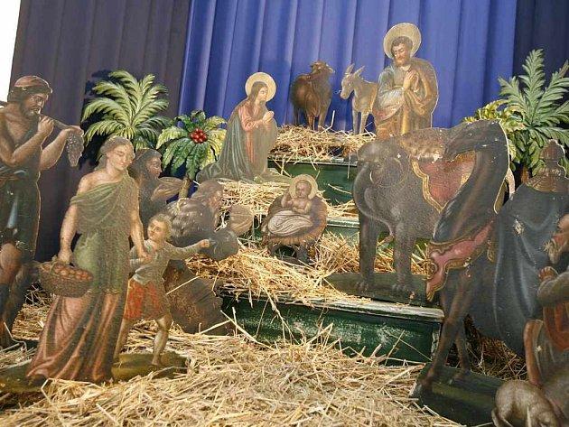Do třebíčského muzea, mimo jiné na expozici betlémů, proudí stovky návštěvníků.