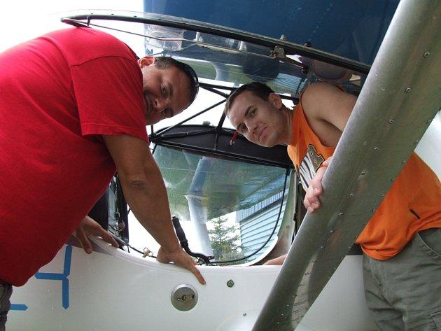 Pilot Ondřej Šilhan s navigátorem Martinem Dalajkou se na letošním srpnovém Mistrovství světa ultralehkých letadel ve Španělsku umístili na krásném čtvrtém místě.