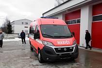 Fiat Ducato s hasičským přívěsem.