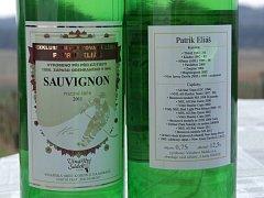 Víno se značkou Patrik Eliáš.