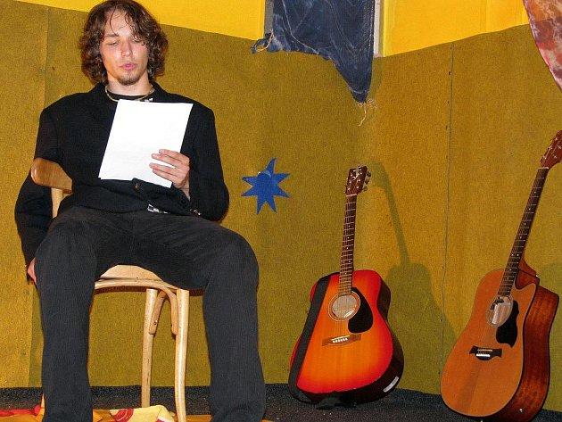 Již druhý ročník autorského čtení amatérských autorů proběhl v čajovně studentského klubu Halahoj. Na akci s názvem Marginálie se sjeli autoři z Třebíče, Brna i Havířova.