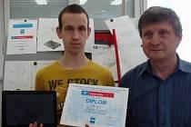 Za svůj úspěch vděčí Václav Krajíček (vlevo) také učiteli Karlu Dočkalovi (vpravo).