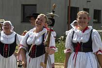 Krojovaný soubor Džbánek a Džbáneček pořádá tradiční Krojované hody v Martínkově.