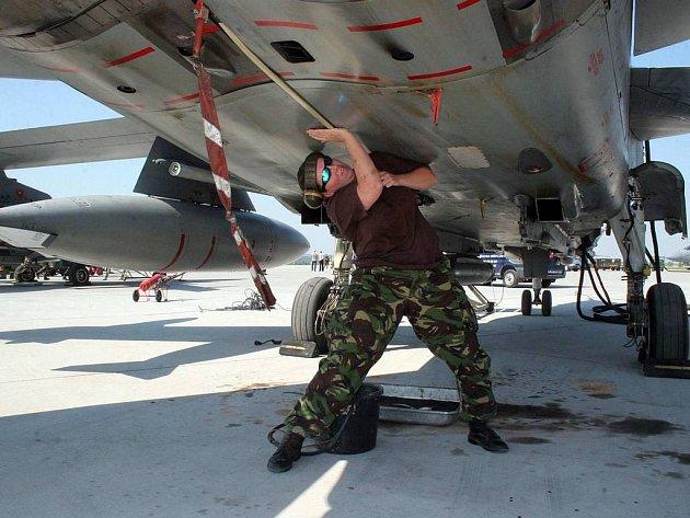 Letecké cvičení v Náměšti nad Oslavou probíhá bez komplikací.