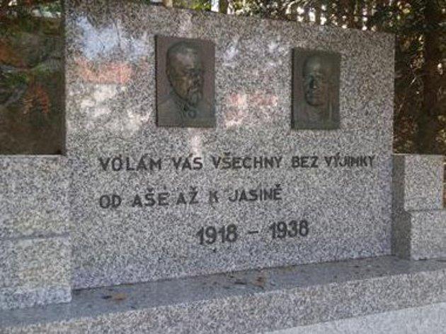 Ke stému výročí dostal třebíčský památník nový kabát