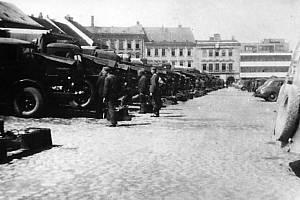 Německé jednotky na náměstí v Třebíči v březnu 1939.