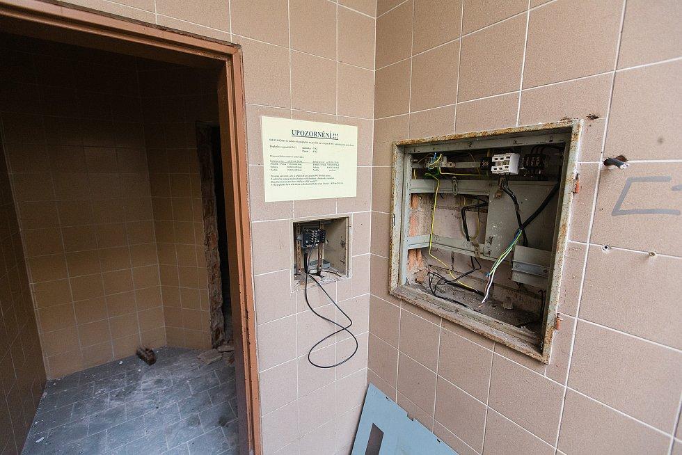 Demolice veřejných toalet v Třebíči.