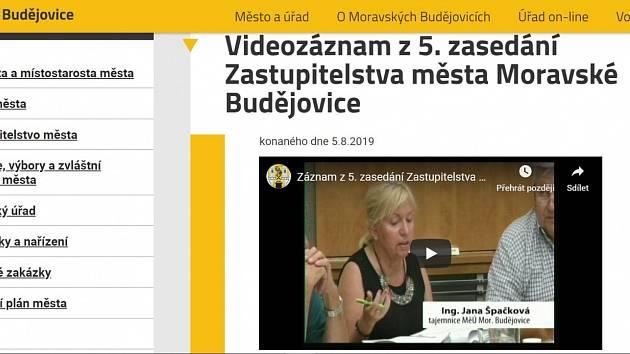 Záznamy ze zasedání budějovických zastupitelů začne tamní radnice zveřejňovat na webových stránkách města.