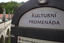 Lákadla pro turisty lze najít i v Náměšti.