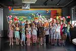 Žáci z Dalešic si pro vysvědčení přijeli do elektrárny.