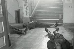 Zastřelení funkcionáři v babické škole.