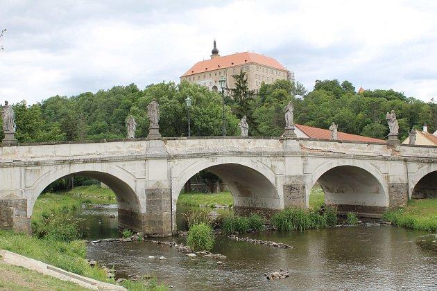 Unikátní kamenný most vNáměšti se dočká rekonstrukce.