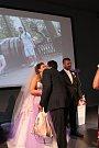 Ze svatby Jany Manové a Milana Hypra. Jako první v historii dukovanské jaderné elektrárny byli oddáni v tamním infocentru