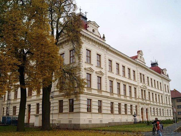 Škola v Jaroměřicích nad Rokytnou