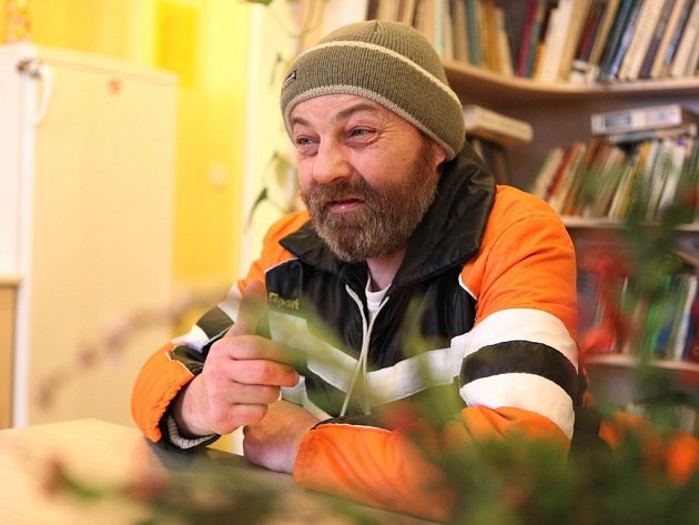 O tom, jak v Třebíči a okolí přežít bez oficiálního přístřeší nad hlavou, ví Ludvík Diviš své. Léta žil ve stanu v lese.