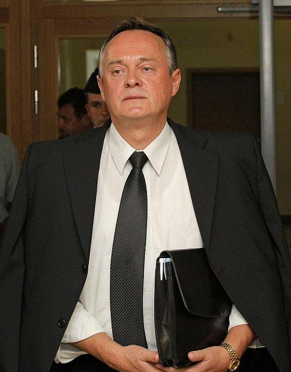 Kauza Budišov.Okresní soud v Třebíči ve středu zprostil obžaloby Zdeňka Doležela a Miloslava Řehulku. Podle senátu se neprokázalo, že by se skutek, pro který byli stíháni, skutečně stal.