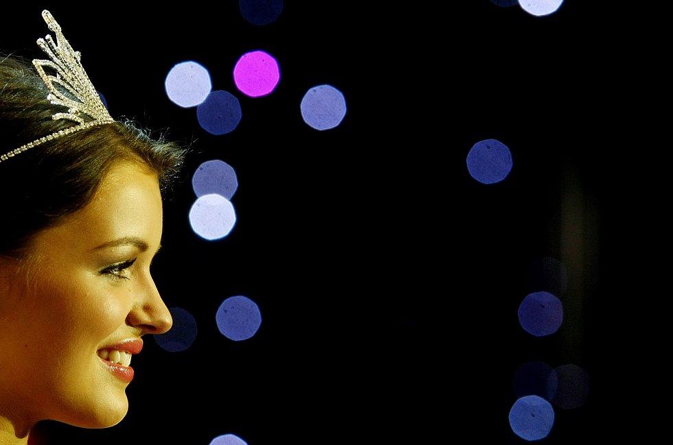 Česká Miss 2010 Jitka Boho (Válková) při finálovém večeru soutěže 20. března v Praze.