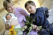 """""""Simonka se narodila dvě hodiny a tři minuty po půlnoci na Nový rok. Teď váží 3,65 kg a je to jedlík, má se čile k světu,"""" poznamenala maminka Radka Svobodová."""