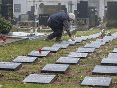 Opravené třebíčské hroby vojáků padlých v první světové válce.