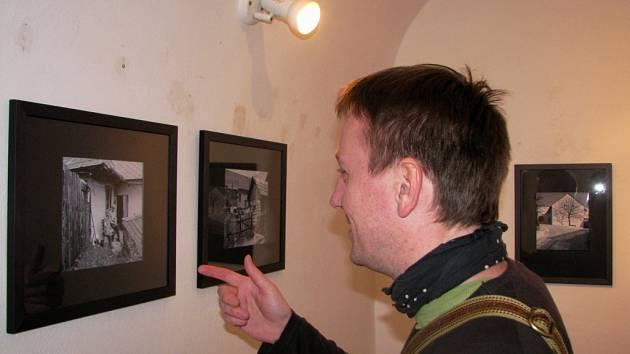 Výstavu fotografií Josefa Němce můžete navštívit každý všední den v Galerii Chodba v Katolickém gymnáziu Třebíč.