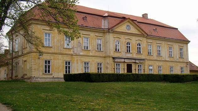 Dukovanský zámek.
