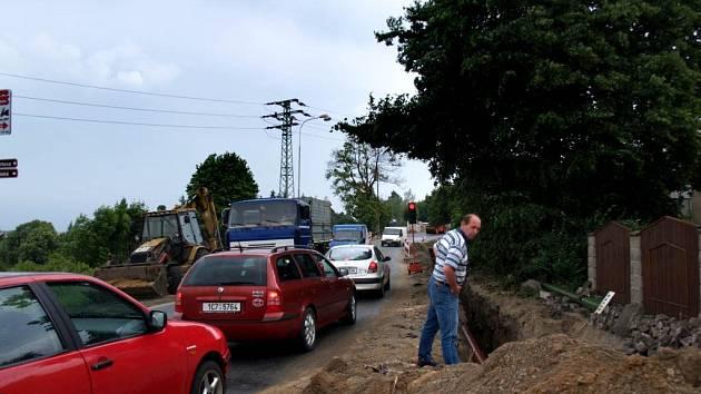 Dopravní komplikace v Pražské ulici v Třebíči