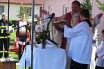 Mši svatou sloužil Martin Grones z Velkého Újezda, který během bohoslužby soše požehnal.