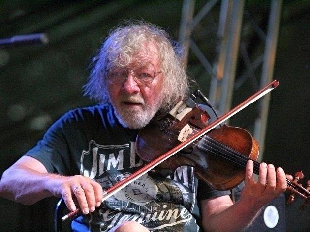 Folkové prázdniny v Náměšti nad Oslavou, koncert k sedmdesátinám Jana Hrubého.
