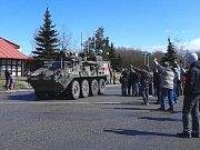 Konvoj jedoucího přes Vysočinu dorazil na parkoviště u bývalého motorestu u Stránecké Zhoře.