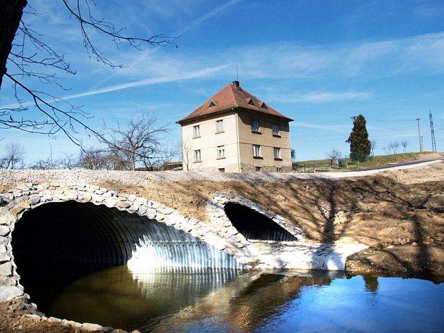 Opravy na mostě v Dalešicích skončily.